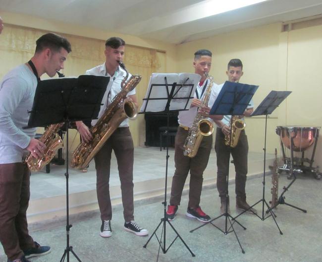NEU/NUT delegation to Cuba school visit