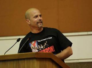 Gerardo addressing the conference in Havana