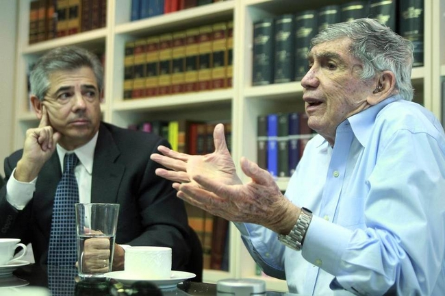 Posada Carriles, accused of masterminding terrorist attacks against Cuba, is free in the US