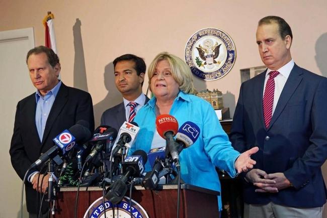 Congressman Lincoln Diaz-Balart, Congressman Carlos Curbelo, Congresswoman Ileana Ros-Lehtinen and Congressman Mario Diaz-Balart