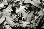 Fidel Castro visiting Quang Tri during the US war on Vietnam