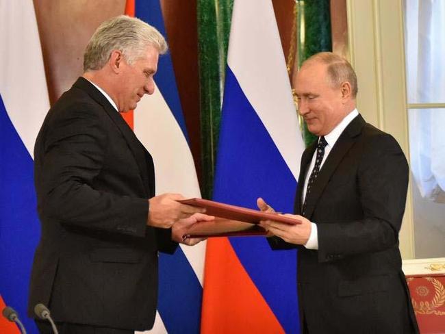 Last October, Russian President Vladimir Putin received his Cuban counterpart Miguel Diaz-Canel at the Kremlin in Moscow. Photo: Estudios Revolución