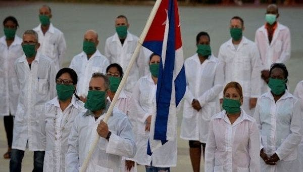 Cuban medical brigade arrives in Port-au-Prince, Haiti, April 25, 2020 Photo: Twitter/@PLprensalatina